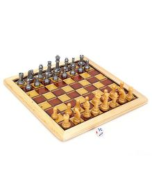 Ratnas Wooden Art Chess And Ludo