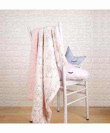 Kicks & Crawl Blanket with Faux Fur Lining - Light Pink