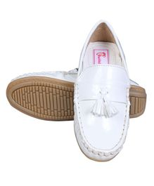 Buckled Up Shiny Finish Tassels Detailed Loafers - White