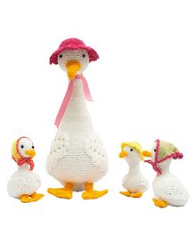 Happy Threads Crochet Duck Family Soft Toy  White - Height 32.5 cm 7.5 cm