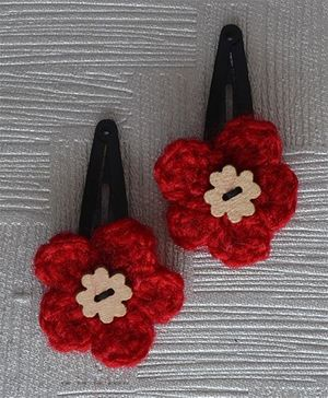 Daffodils Crochet Tic Tacs With Wooden Button - Red