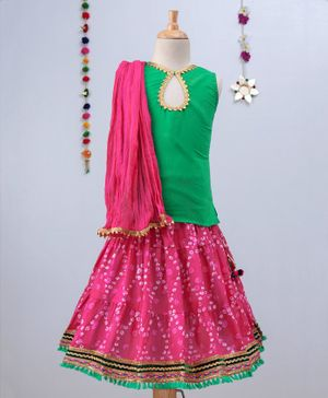 Kidcetra Bandhini Ghagra With Tie Back Sleeveless Choli And Dupatta Set - Green & Pink