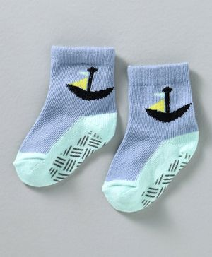 Cute Walk by Babyhug Non Terry Antibacterial Ankle Length Anti Skid Socks Anchor Design - Blue