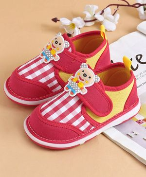 Cute Walk by Babyhug Striped Casual Shoes Bear Motif - Red