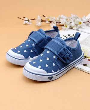 Cute walk by Babyhug Casual Shoes Heart Print - Blue