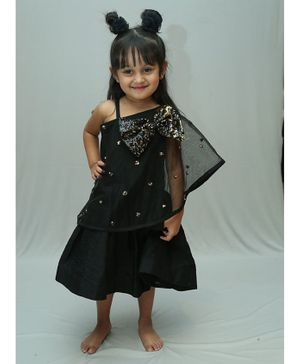 Varsha Showering Trends Bow Sequined Sleeveless Dress  - Black