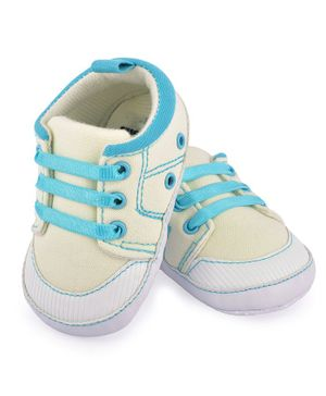 Morisons Baby Dreams Casual Shoes - Off White & Blue