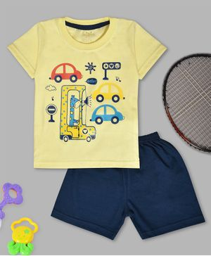 Kiwi Car & Giraffe Print Half Sleeves Tee With Shorts - Yellow