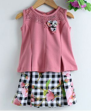 Enfance Sleeveless Flower Decorated Top With Checked Skirt - Pink & Black