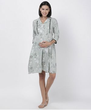 Goldstroms Flower Printed Three Fourth Sleeves Nighty - Grey