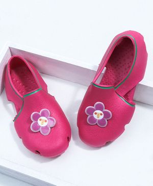 Toothless Clogs Floral Appliques - Fuchsia