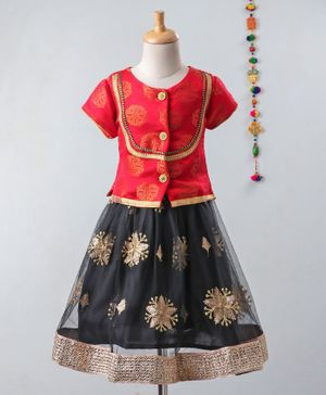 Pikaboo Brocade Half Sleeves Choli With Embroidery Lace Detailed Lehenga - Red & Black