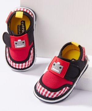 Cute Walk by Babyhug Casual Shoes Robot Patch - Red