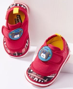 Cute Walk by Babyhug Canvas Shoes Bear Patch - Red