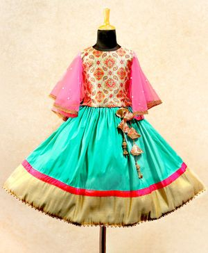 Li&Li BOUTIQUE Flowy Butterfly Half Sleeves Motif Printed Choli With Lace Detailed Lehenga - Pink & Blue