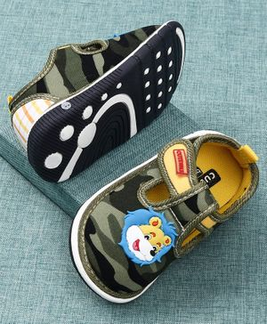 Cute Walk by Babyhug Camouflage Canvas Shoes Lion Patch - Green