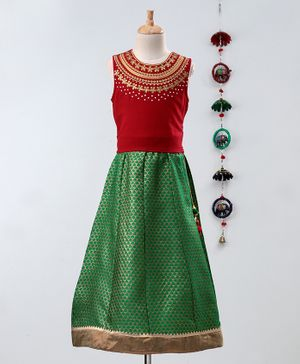 Twisha Flower Embroidered Neckline Sleeveless Choli With Brocade Lehenga - Red
