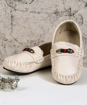 Cute Walk by Babyhug Formal Shoes - White