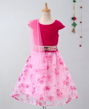 Many Frocks & Cap Sleeves Sequinned Belt Choli With Floral Print Lehenga & Dupatta - Pink