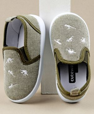 Cute Walk by Babyhug Casual Shoes Dino Embriodered - Green