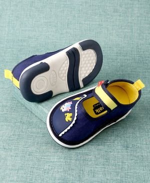 Cute Walk By Babyhug Casual Shoes - Navy Blue