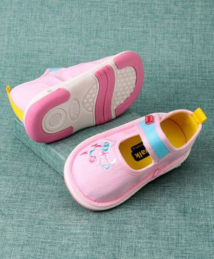 Cute Walk By Babyhug Casual Shoes Floral Embroidery - Pink