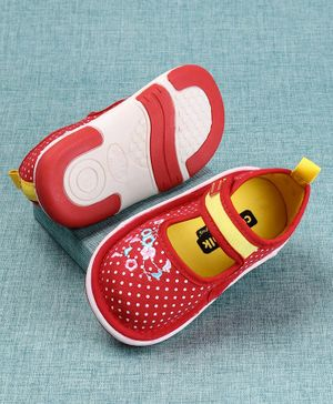 Cute Walk By Babyhug Belly Shoes Floral Embroidery - Red