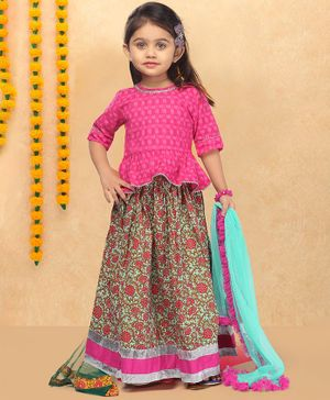 LIL PITAARA Self Design Half Sleeves Peplum Choli With Floral Print Lehenga & Dupatta - Pink