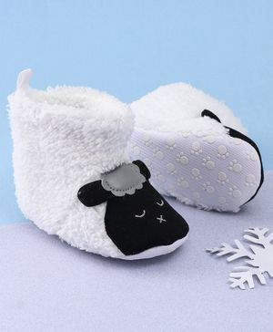 KIDLINGSS Ankle Length Sheep Patch Booties - White