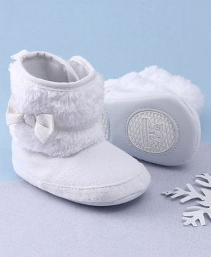 KIDLINGSS Ankle Length Bow Applique Booties - White
