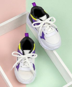 Cute Walk by Babyhug Sport Shoes - White