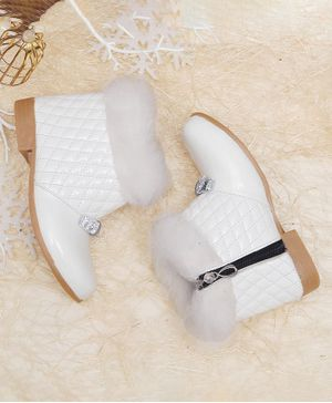 D'chica Quilted Pattern Trimmed Boots - White