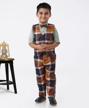 Dapper Dudes Checkered Full Sleeves 3 Piece Party Suit With Bow & Broach - Green