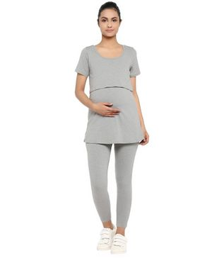 Wobbly Walk Solid Short Sleeves Maternity & Feeding Top With Leggings - Grey