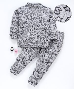 Hugsntugs Graffiti Printed Full Sleeves Night Suit - Grey