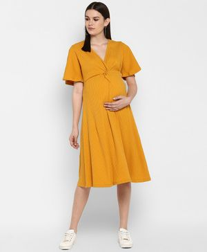Momsoon Solid Half Sleeves Maternity Dress - Yellow