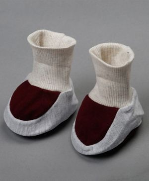 Grandma's Solid Color Ankle Length Sock Shoe - White Brown
