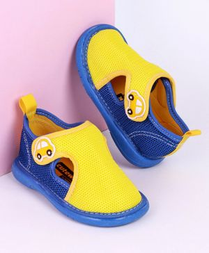 Cute Walk by Babyhug Sandals with Velcro Closure Car Patch - Yellow Blue