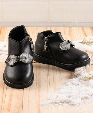 KIDLINGSS Glittered Bow Applique Shoes - Black