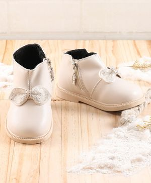 KIDLINGSS Glittered Bow Applique Shoes - White
