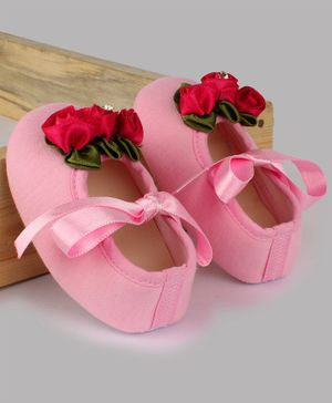 Daizy Flower Design Ribbon Closure Booties - Baby Pink