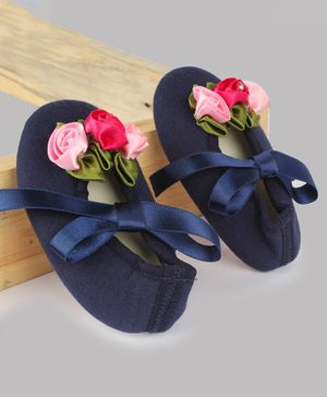Daizy Flower Design Ribbon Closure Booties - Navy Blue