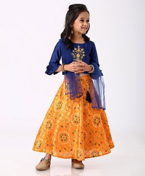 Enfance Flower Embroidered Three Fourth Sleeves Choli With Ghagra & Dupatta Set - Navy Blue
