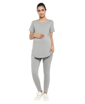 Wobbly Walk Half Sleeves Solid Maternity Tee & Leggings Set - Grey