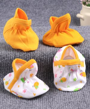 Babyhug 100% Cotton Booties Bird Print Pack of 2 - White Yellow