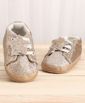 KIDLINGSS Glitter Finish Star Applique Booties - Brown