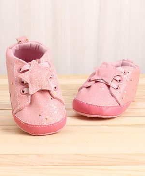 KIDLINGSS Glitter Finish Star Applique Booties - Pink
