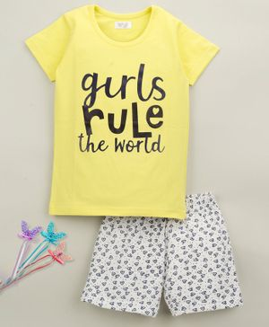 Sheer Love Girls Rule The World Print Half Sleeves Night Suit - Yellow