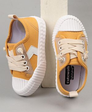 Cute Walk by Babyhug Casual Shoes - Yellow