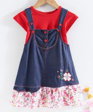 Chicklets Half Sleeves T-Shirt With Flower Patch Dungaree Dress - Red & Blue